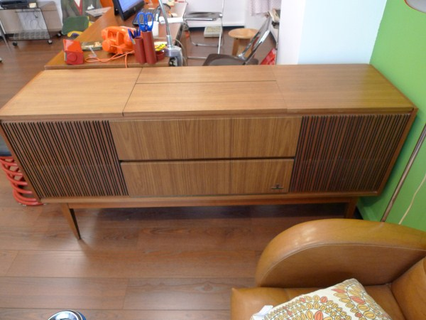 Mobilier Table Meuble Radio Grundig